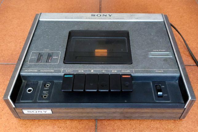 Reprodutor/Gravador de Cassetes Áudio Sony TC-122
