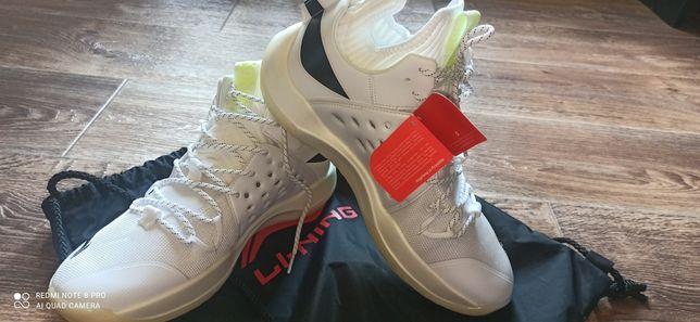 Обувь для спорта, баскетбольные кроссовки