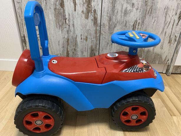 Машинка со звуком для ребенка