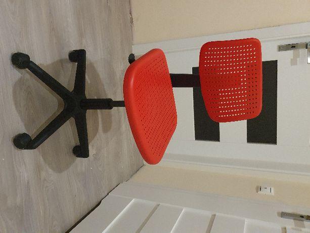 Krzesło obrotowe Fotel Ikea Skalberg czerwony czarne
