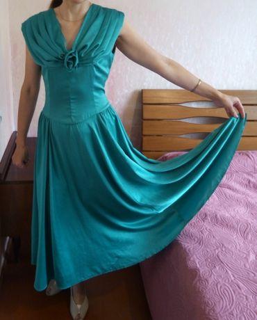 изумрудное платье р.46