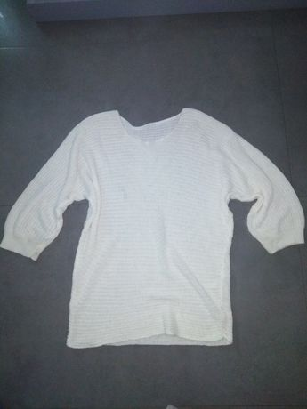 Kremowy sweterek Oversize