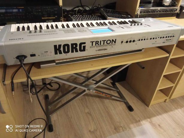 Korg Triton classic 61. Zamiana.