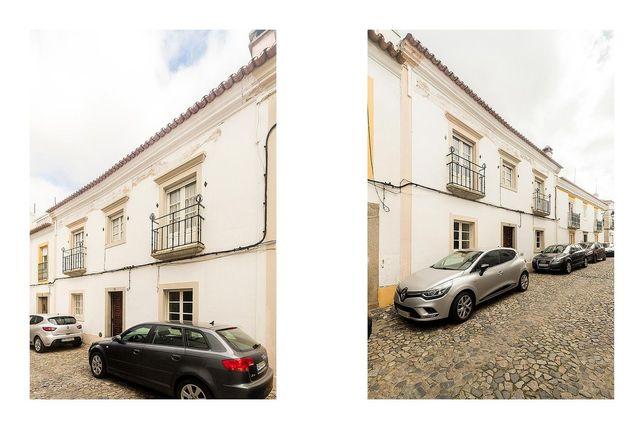 Moradia T6 com pátio e Terraço    Centro Histórico de Évora