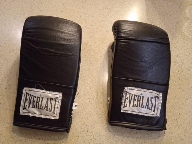 Продам боксерские перчатки Everlast