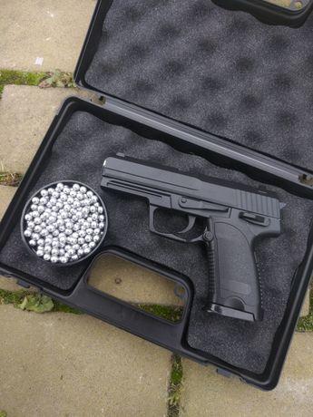Пистолет пневматический ФОРТ (СТРАЙКБОЛ)