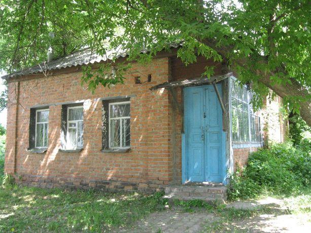 Продажа нежитлової будівлі с. Петрівське, площа Незалежності, 14