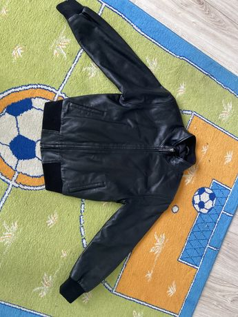 Кожаная курточка Версаче