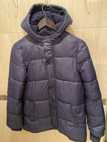 Демисезонная куртка на утеплителе. На 13-14 лет