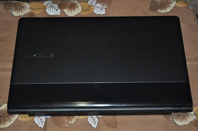 Ноутбук Sumsung 9000р.