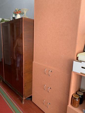 Шкаф двусторонний с 10 ящиками в отличном состоянии.