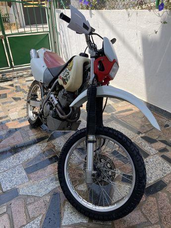 Honda XR400r em bom estado
