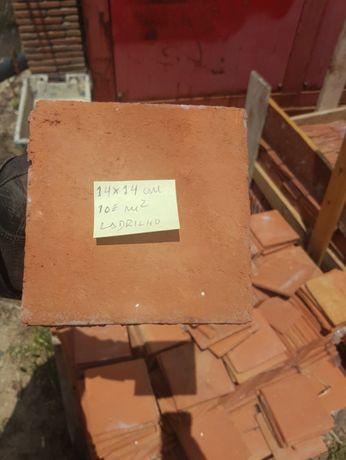 Ladrilhos , terracota, tijoleiras