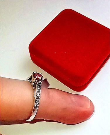 Серебряное кольцо с камнями!
