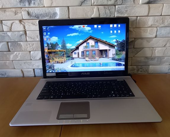 Ноутбук Asus K73SV, 17 дюймов, Intel i3, ОЗУ 4Гб, HDD 500Гб, GeForce G