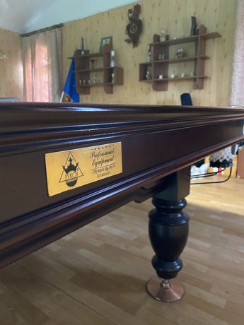 Бильярдный стол Ivan Simonis
