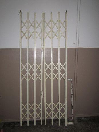 Раздвижная решетка дверная