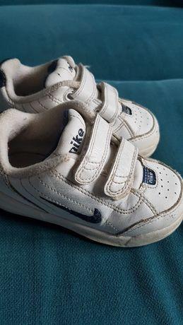 Buciki Nike rozmiar 21,5