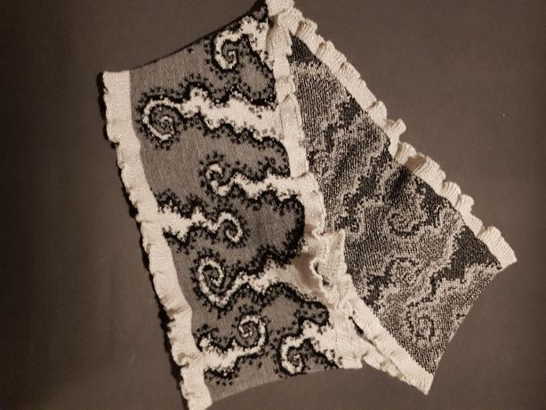 Cachecol Cinza e branco em lã