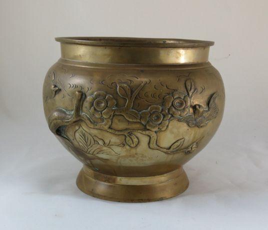 Cachepot Japão em Bronze Meiji Period; Altura – 20cm; Diâmetro – 25cm;