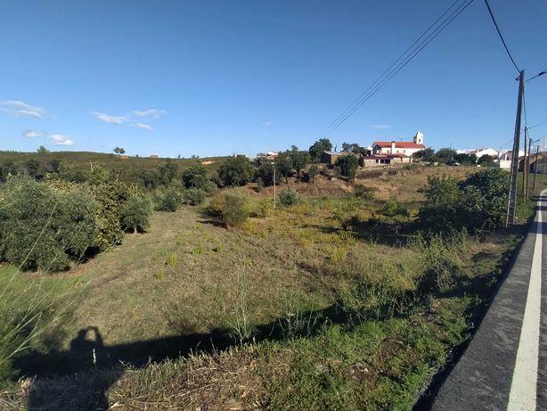 Casa com terreno no Alvaiade