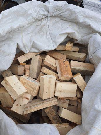 Drewno opałowe z belek, desek, pocięte