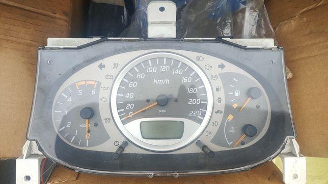 Zegary licznik Nissan Almera Tino