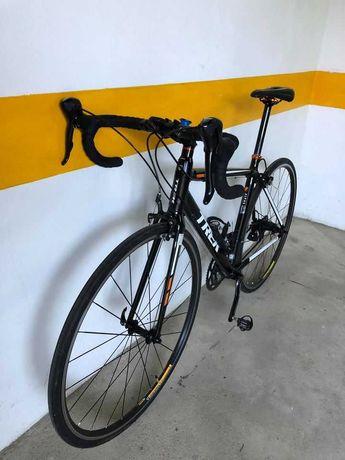 Bicicleta Estrada Trek Alpha 2.0