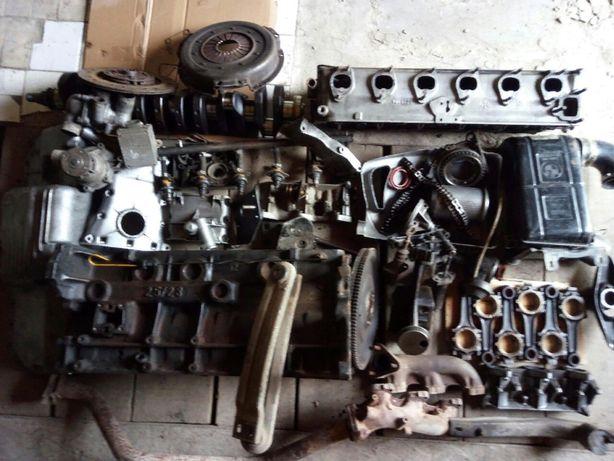 Разборка двигатель BMW 528 e12 m30