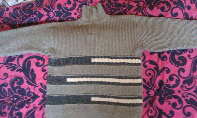 Мужской  теплый  свитер 100% шерсть