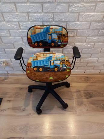 Fotel biurkowy dla dziecka