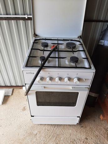Kuchnia gazowa z gazowym piekarnikiem