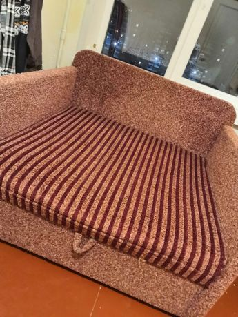 Продам  детский диван кубик