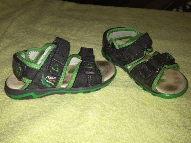Sandałki skórzane w rozmiarze 26