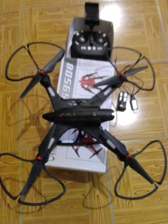 Drone com 4 helices