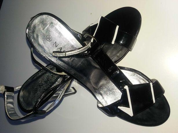 NOWE sandałki na szpilce r.38