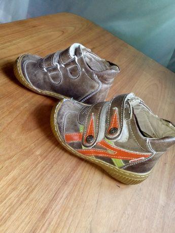 Ботинки весняні для вашого малюка