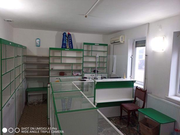 Продам торговельні меблі (вітрини)
