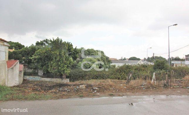 332m2 para Construção de Moradia Isolada, na Charneca da Caparica