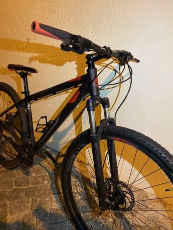 Bicicleta BERG com Rockshox e shimano