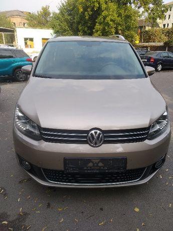 Продам Volkswagen Touran 2012 г.