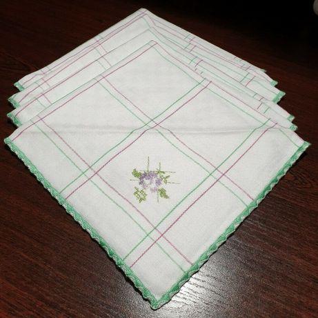 Набор винтажных салфеток с вышивкой, обработанным краем,