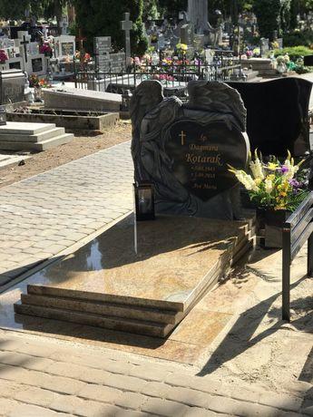 Nagrobek anioł pomnik granitowy szwed Saharą gold