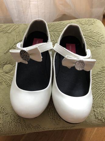 Туфлі для дівчинки 22 р.