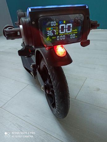 Hulajnoga elektryczna UrbanGlide Ride 80XL Pro, nowa,  31 km/h, 8.4Ah