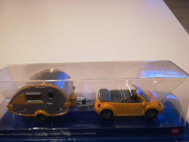 Siku Kabriolet New Beetle z przyczepą kempingową, nowy