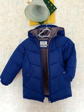 Продам куртку Zara 92р