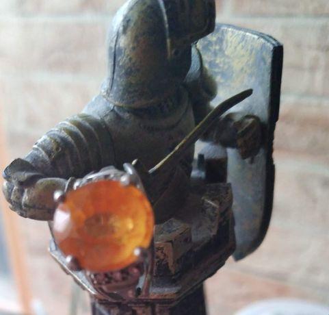 Кольцо Глаз Дракона с натуральным золотым мандариновым сапфиром