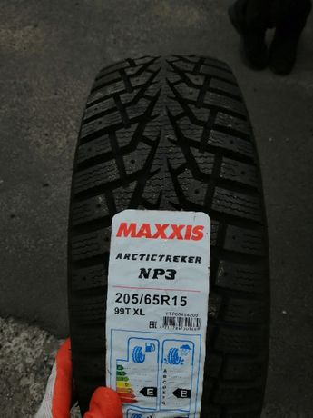 Зимние шины резина 205/65 R15 Maxxis ARCTICTREKKER NP3 2056515 60 195