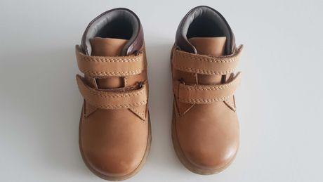 Skórzane buty przejściowe dla chłopca firmy Next r. 20.5